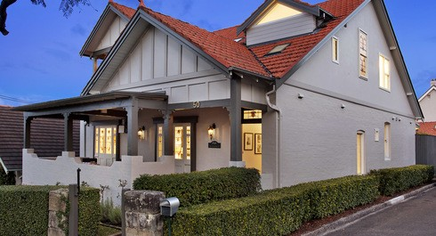 Contemporary family entertainer with idyllic harbour vista