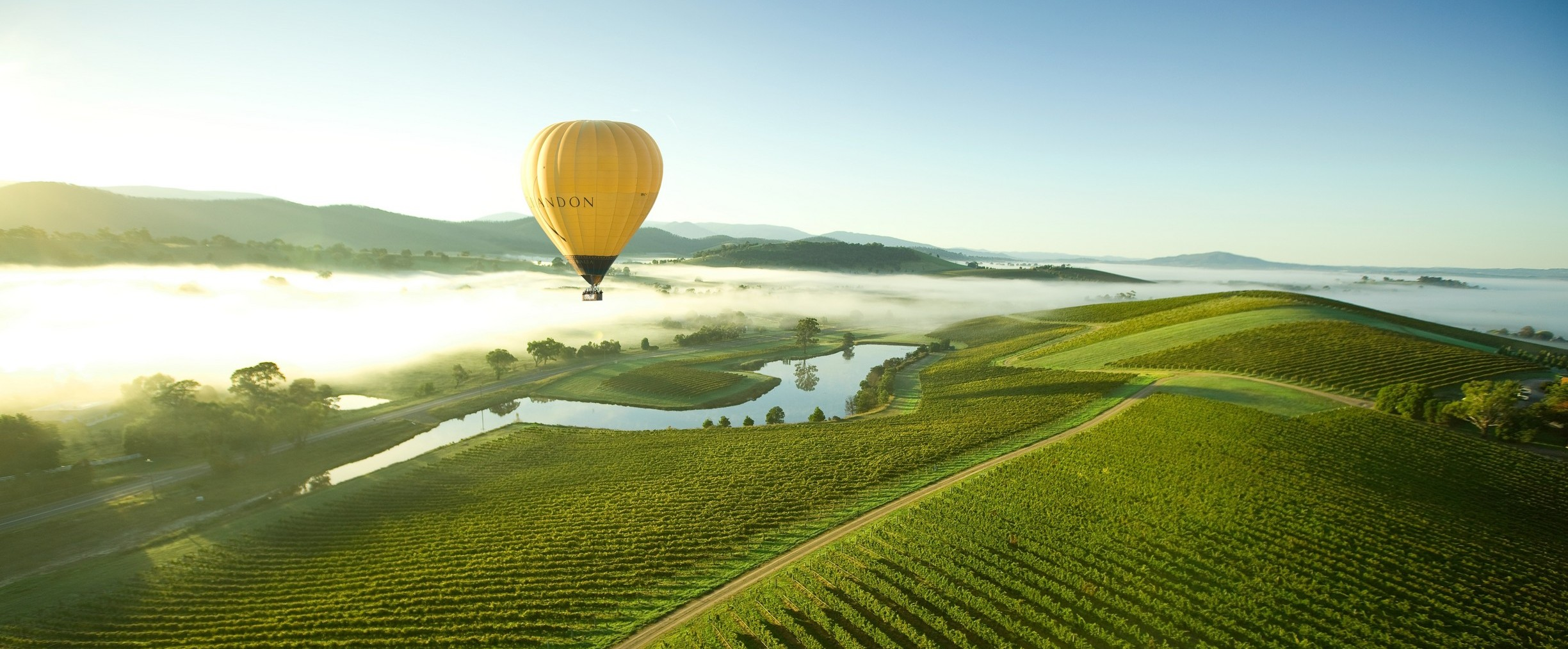 http://assets.boxdice.com.au/bell-re/attachments/bfb/96f/balloon_yarra_valley_2.jpg?0390f8ebbd2d06df50e0df3e4382f903