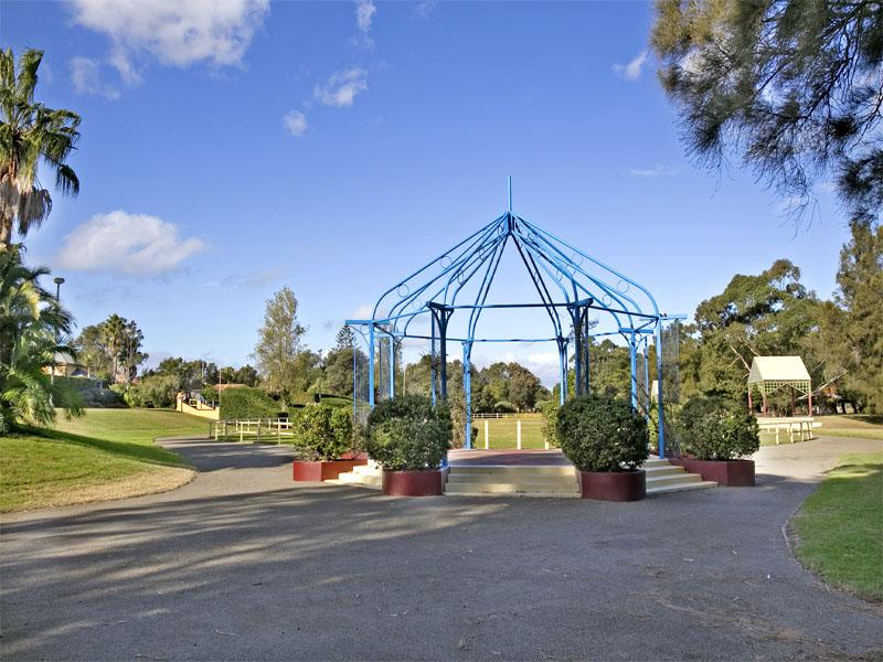 http://assets.boxdice.com.au/coastline-agency/attachments/137/4e7/botany.jpg?85046cdba024245cc97933c997fa1130