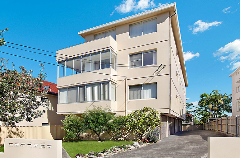 Sold after 1 inspection new record price $1,308,000