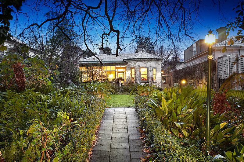 http://assets.boxdice.com.au/domainandco/attachments/809/bf7/144_rathmines_road_hawthorn_east_vic_3123_img0.jpg?6d647467bb3c02560d5b574e1cb7886a