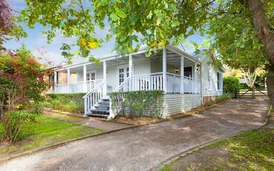 http://assets.boxdice.com.au/duncan_hill_property/listings/1294/1161c4d6.jpg?crop=400x250