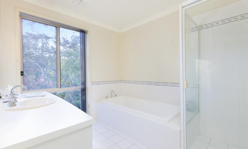 http://assets.boxdice.com.au/duncan_hill_property/listings/1305/27809c77.jpg?crop=800x480