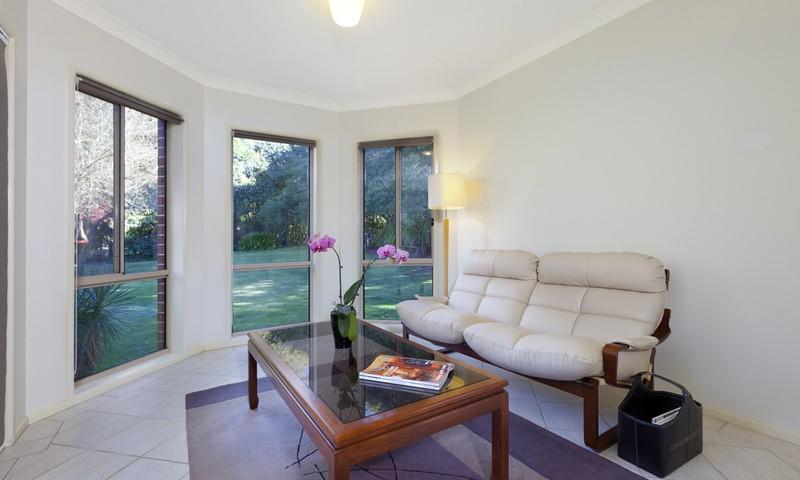 http://assets.boxdice.com.au/duncan_hill_property/listings/1305/c2f8dc86.jpg?crop=800x480