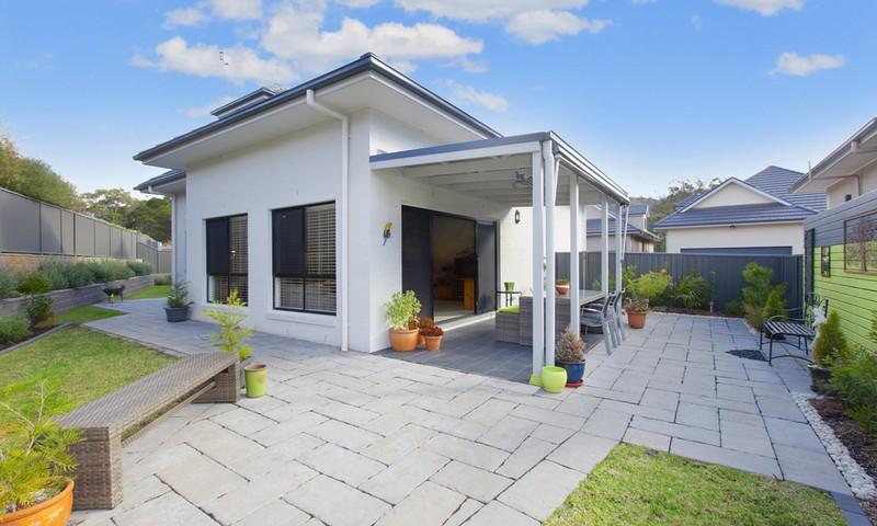 http://assets.boxdice.com.au/duncan_hill_property/listings/1360/ca992c5e.jpg?crop=800x480