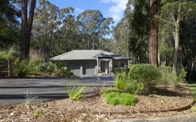 http://assets.boxdice.com.au/duncan_hill_property/listings/1429/b992fdd1.jpg?crop=400x250