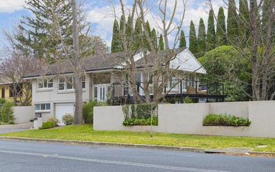 http://assets.boxdice.com.au/duncan_hill_property/listings/1482/3170ad5f.jpg?crop=400x250