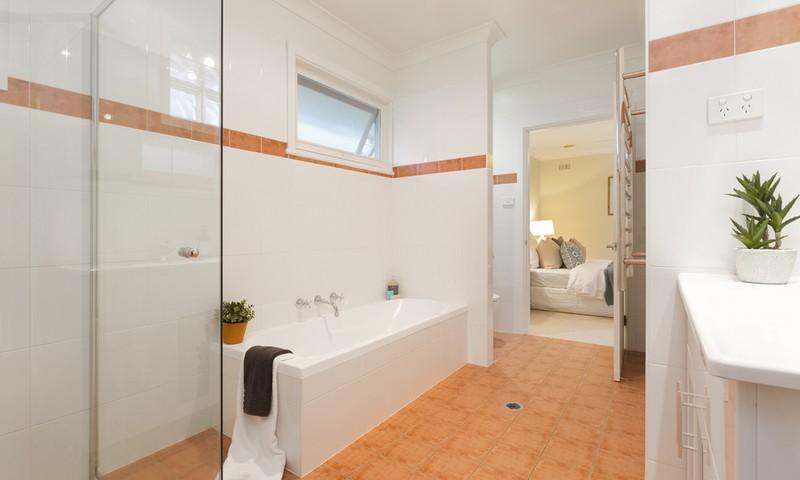 http://assets.boxdice.com.au/duncan_hill_property/listings/1482/4b2cf363.jpg?crop=800x480