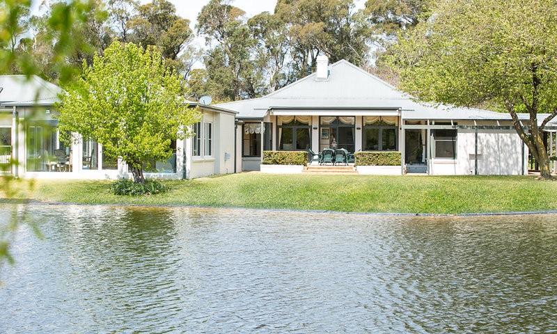 http://assets.boxdice.com.au/duncan_hill_property/listings/1504/8dfd6d2d.jpg?crop=800x480