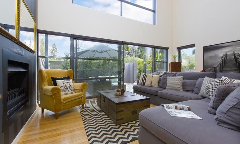 http://assets.boxdice.com.au/duncan_hill_property/listings/1528/861c70c4.jpg?crop=800x480