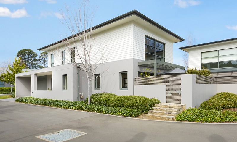 http://assets.boxdice.com.au/duncan_hill_property/listings/1528/a332a851.jpg?crop=800x480