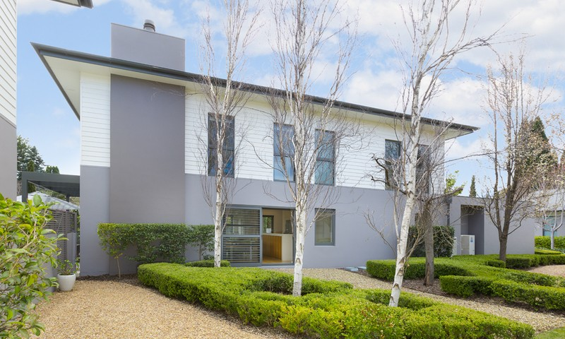 http://assets.boxdice.com.au/duncan_hill_property/listings/1528/a6ac472e.jpg?crop=800x480