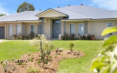 http://assets.boxdice.com.au/duncan_hill_property/listings/1560/999e3833.jpg?crop=400x250