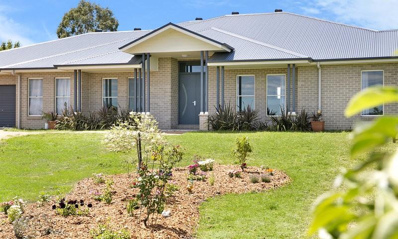 http://assets.boxdice.com.au/duncan_hill_property/listings/1560/999e3833.jpg?crop=800x480