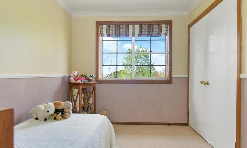 http://assets.boxdice.com.au/duncan_hill_property/listings/1574/I.1507793440.jpg?crop=800x480