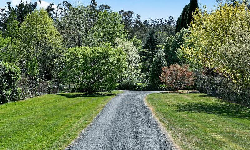 http://assets.boxdice.com.au/duncan_hill_property/listings/1574/N.1507793441.jpg?crop=800x480