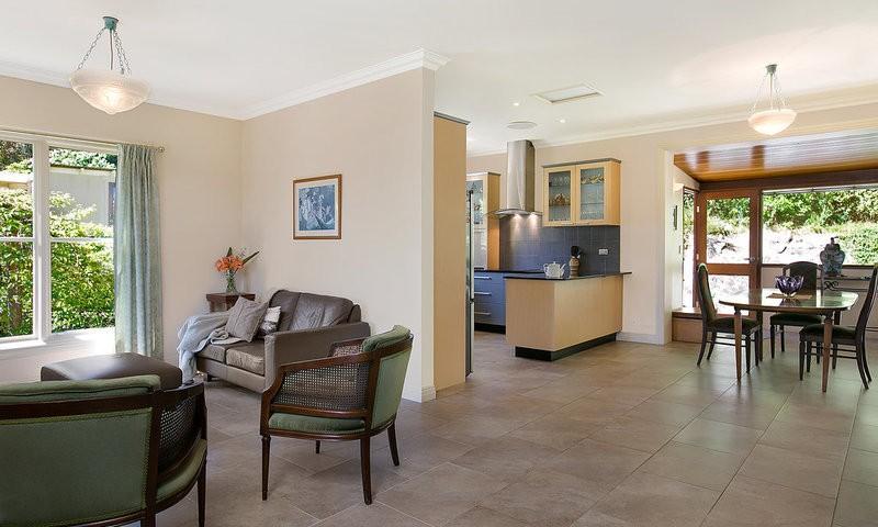 http://assets.boxdice.com.au/duncan_hill_property/listings/1596/64595b18.jpg?crop=800x480