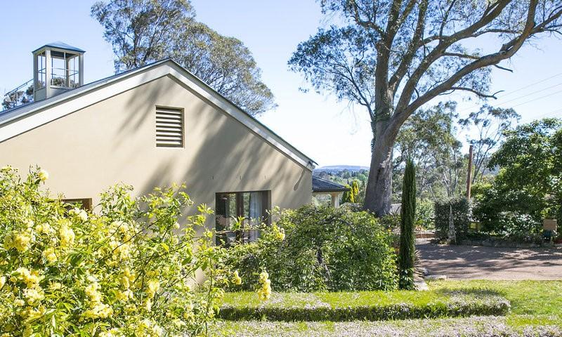 http://assets.boxdice.com.au/duncan_hill_property/listings/1596/ce12e4df.jpg?crop=800x480