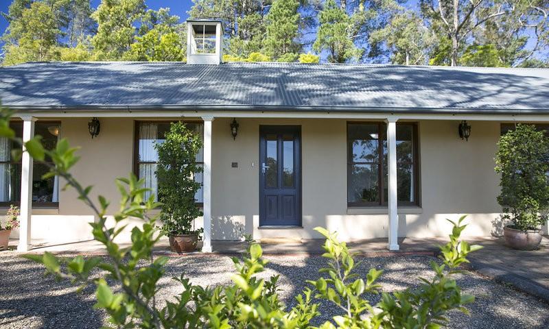 http://assets.boxdice.com.au/duncan_hill_property/listings/1596/cf13bbcb.jpg?crop=800x480