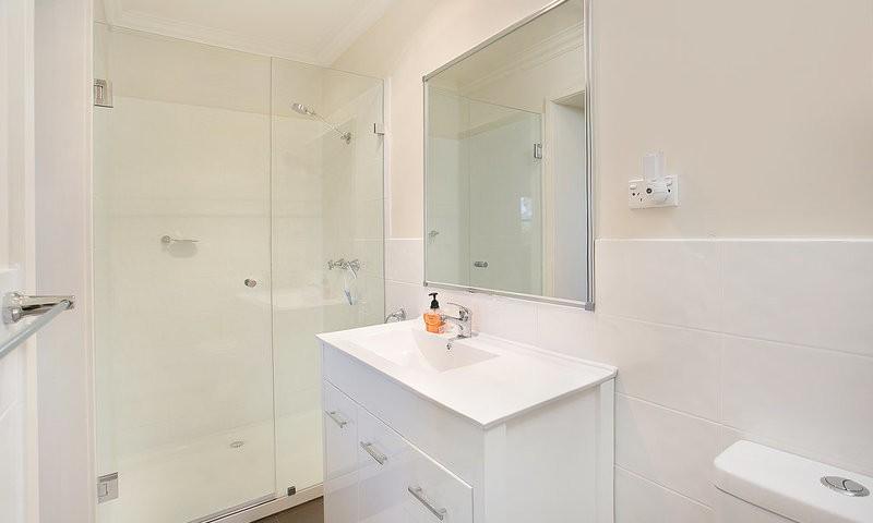 http://assets.boxdice.com.au/duncan_hill_property/listings/1596/fd6b76f4.jpg?crop=800x480