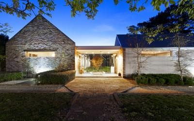 http://assets.boxdice.com.au/duncan_hill_property/listings/1609/a05e20a7.jpg?crop=400x250