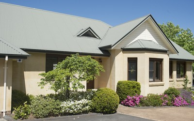 http://assets.boxdice.com.au/duncan_hill_property/listings/1639/d6f66ca3.jpg?crop=400x250
