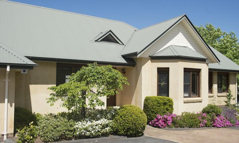 http://assets.boxdice.com.au/duncan_hill_property/listings/1639/d6f66ca3.jpg?crop=800x480