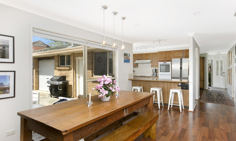 http://assets.boxdice.com.au/duncan_hill_property/listings/1654/81c3483e.jpg?crop=800x480