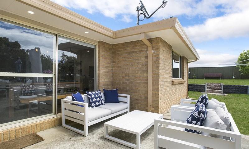 http://assets.boxdice.com.au/duncan_hill_property/listings/1654/86d74d2c.jpg?crop=800x480