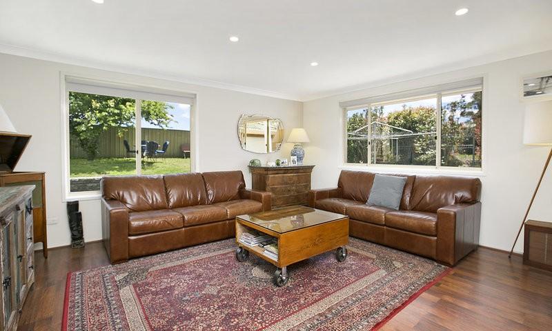 http://assets.boxdice.com.au/duncan_hill_property/listings/1654/c0e720b4.jpg?crop=800x480