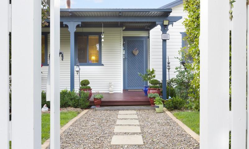 http://assets.boxdice.com.au/duncan_hill_property/listings/1743/a7bbd099.jpg?crop=800x480