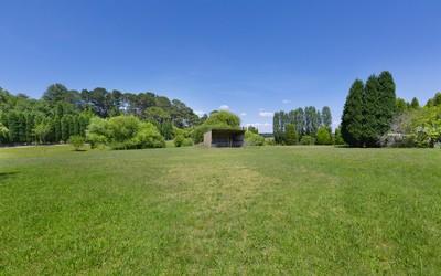 http://assets.boxdice.com.au/duncan_hill_property/listings/1751/70c5a5d8.jpg?crop=400x250