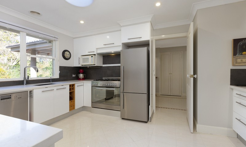 http://assets.boxdice.com.au/duncan_hill_property/rental_listings/4/36aa264e.jpg?crop=800x480