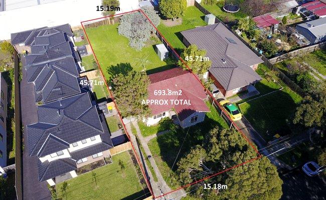 http://assets.boxdice.com.au/haughton_stotts/listings/303/2063815d.jpg?crop=650x400