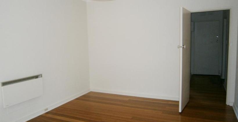 http://assets.boxdice.com.au/haughton_stotts/rental_listings/182/9ab7ed83.jpg?crop=820x420