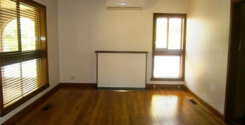 http://assets.boxdice.com.au/haughton_stotts/rental_listings/244/06f8c7b2.jpg?crop=820x420