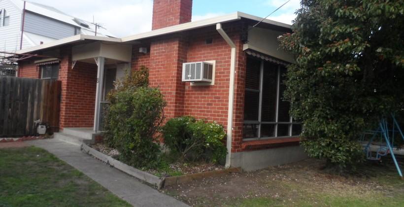 http://assets.boxdice.com.au/haughton_stotts/rental_listings/246/e3c56bfa.jpg?crop=820x420