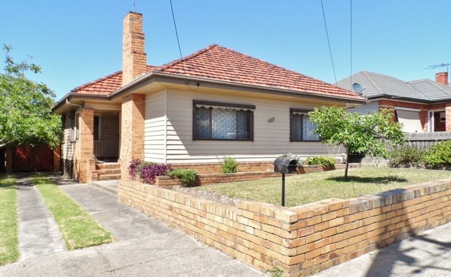 http://assets.boxdice.com.au/haughton_stotts/rental_listings/270/2869e0bd.jpg?crop=650x400