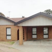 http://assets.boxdice.com.au/haughton_stotts/rental_listings/274/84305b36.jpg?crop=200x200