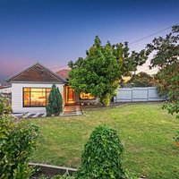 http://assets.boxdice.com.au/haughton_stotts/rental_listings/277/f4f19f72.jpg?crop=200x200
