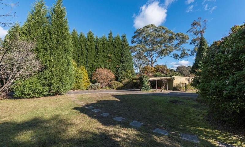 http://assets.boxdice.com.au/highlands/listings/807/6fbee49a.jpg?crop=800x480