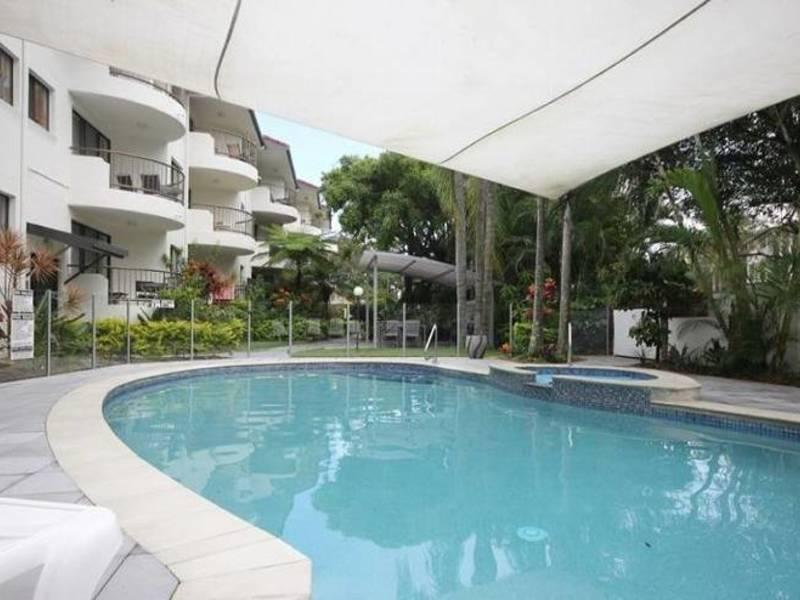22 Woodroffe Avenue, Main Beach Residential Apartment