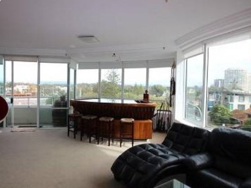 11/3 Tedder Avenue, Main Beach Residential Apartment