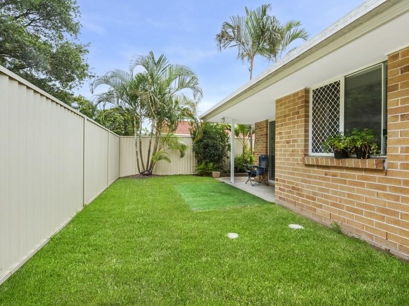 Duplex 1&2 - 8 Woollahra Court, Varsity Lakes Residential DuplexSemi-detached