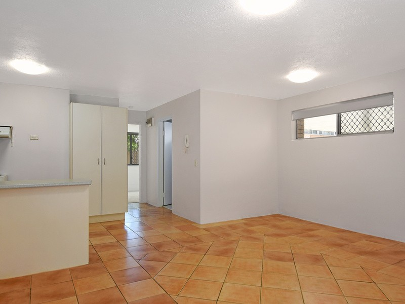 2/203 Scarborough Street, Southport Residential Apartment