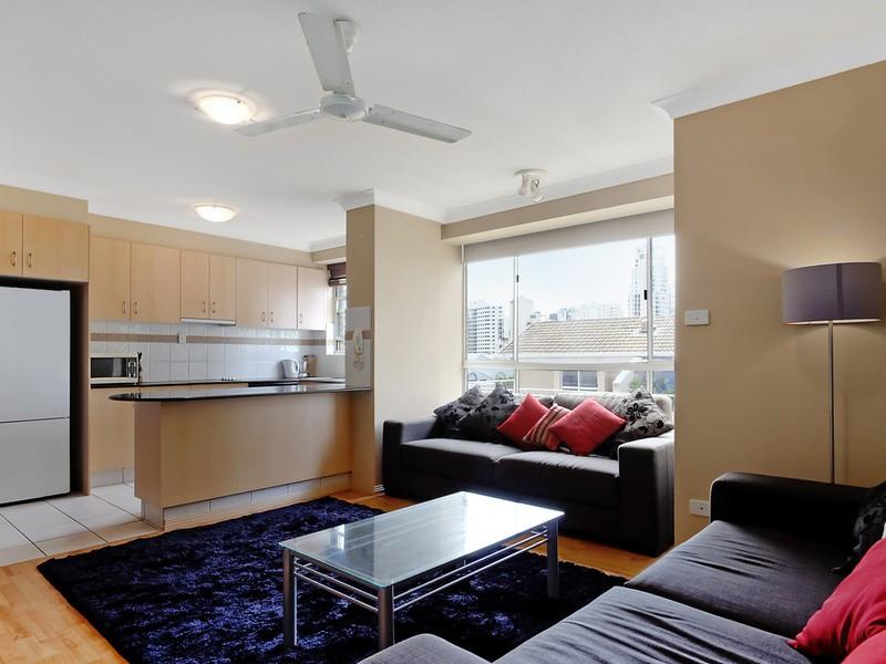12/15 Pacific Street, Main Beach Residential Apartment