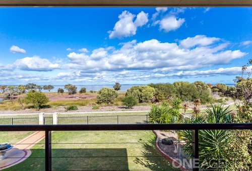 14 Placid Waters Parade, Coodanup