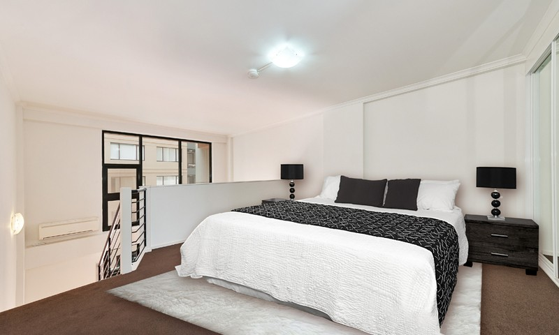 http://assets.boxdice.com.au/oz_combined_realty/listings/54/794f753d.jpg?crop=800x480
