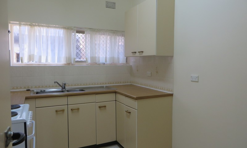 http://assets.boxdice.com.au/oz_combined_realty/rental_listings/23/858530cb.jpg?crop=800x480
