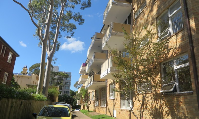 http://assets.boxdice.com.au/oz_combined_realty/rental_listings/23/e8200467.jpg?crop=800x480